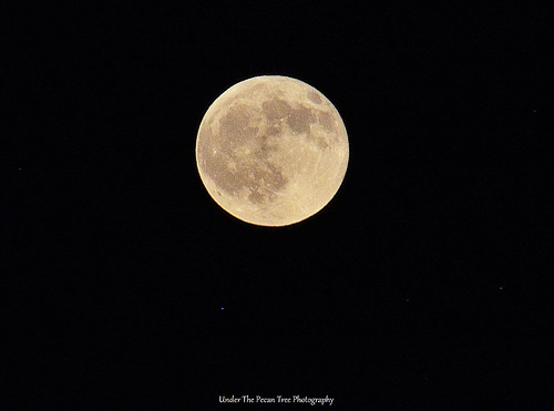 August Full Moon with the stars Deneb, Iota and Theta of the constellation Capricorn