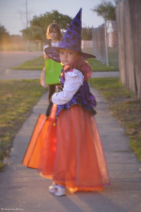 """Katelynn and Sara go to """"Trick-or-Treat"""" in the neighborhood. (2013)"""