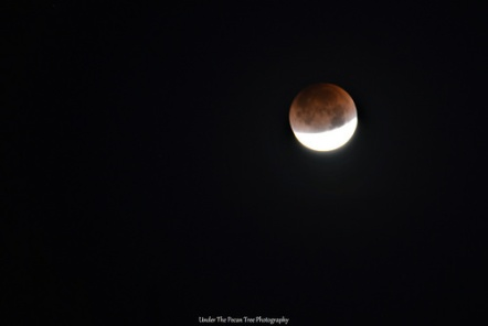 Lunar Eclipse at 6:34 a.m. CST (01-31-2018)