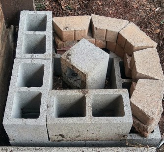 I put a layer of those ornament stones on top of the front cinder blocks.