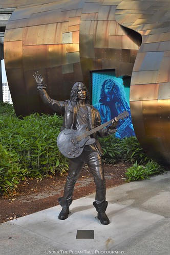 Bronze Statue of Chris Cornell in front of the MoPOP